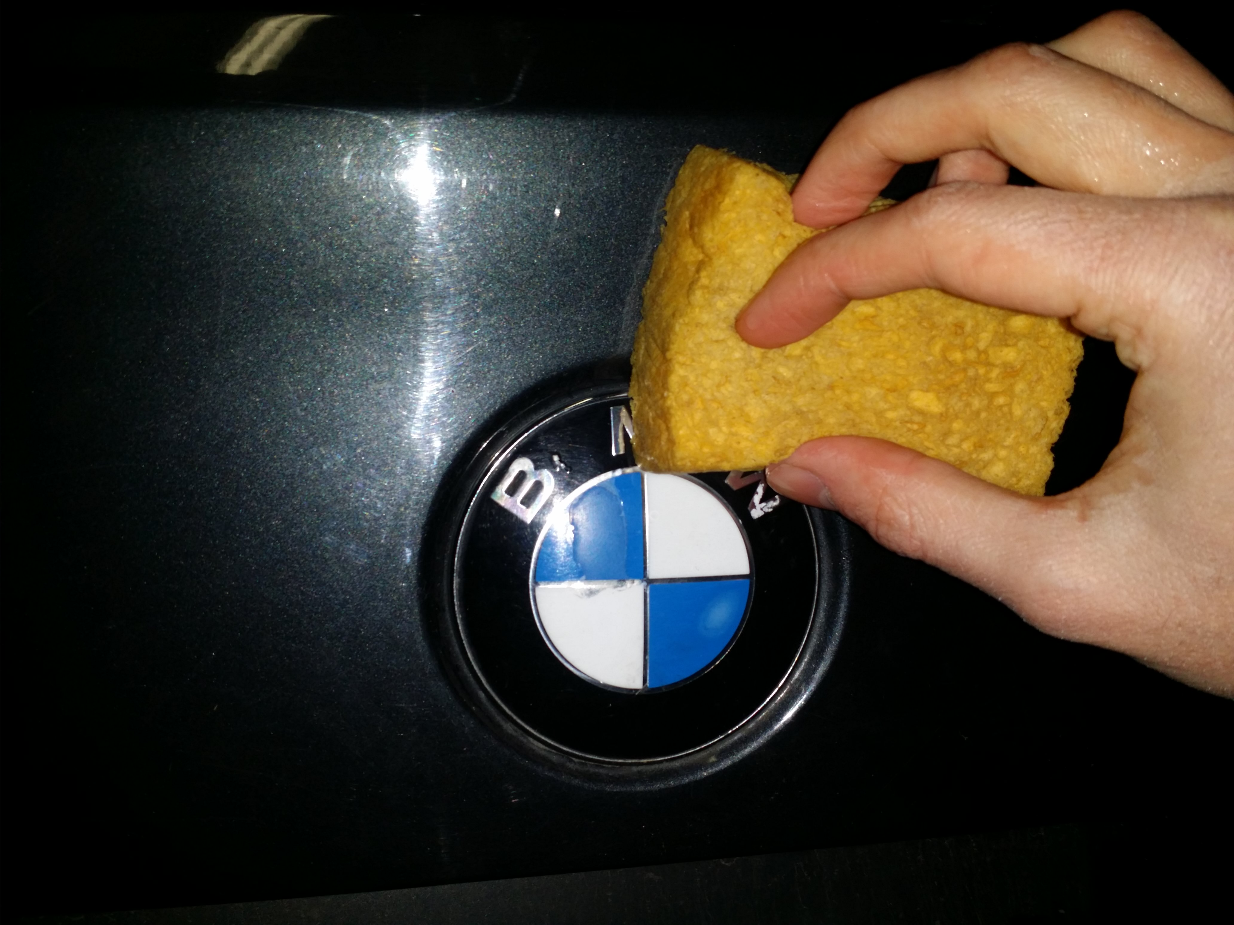 [TUTO] Remplacer ses emblèmes BMW 1519838329-img-20180228-154921