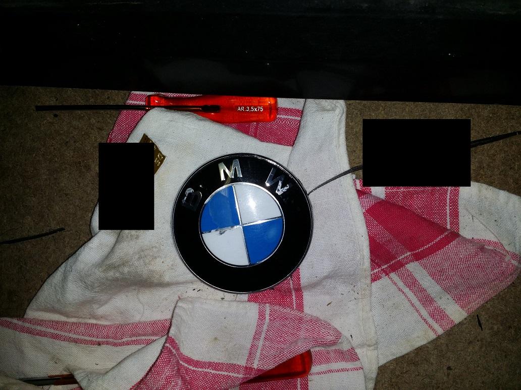 [TUTO] Remplacer ses emblèmes BMW 1519839291-img-20180228-161337