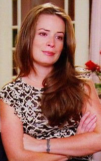 Holly Marie Combs avatar 200x320 1522449475-vava-april5