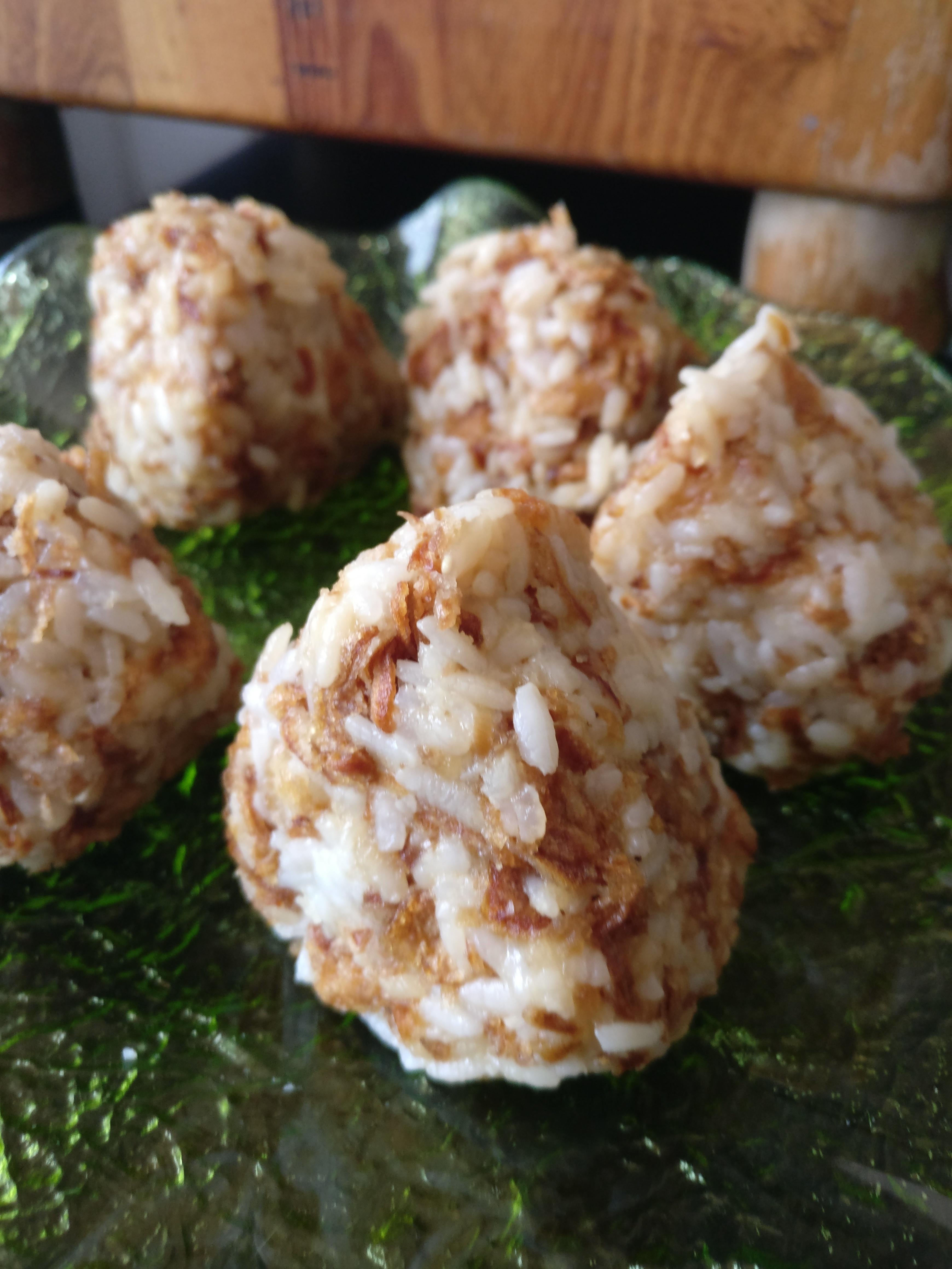 [Cuisine] Onigiri à l'oignon frit 1530665263-img-20180702-140334
