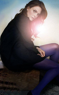 Emily Deschanel avatars 200x320 1531227209-helen