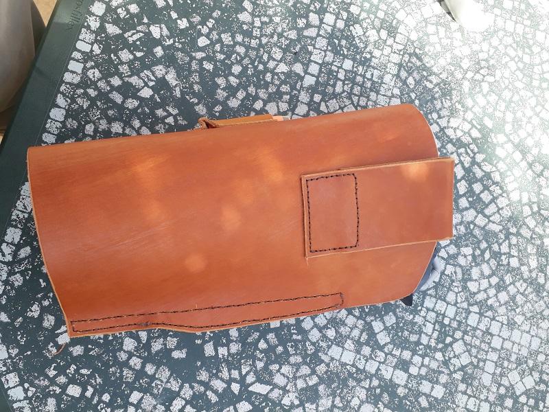 Quelques accessoires en cuir (portes chargeur, étui) 1551970280-holster-3