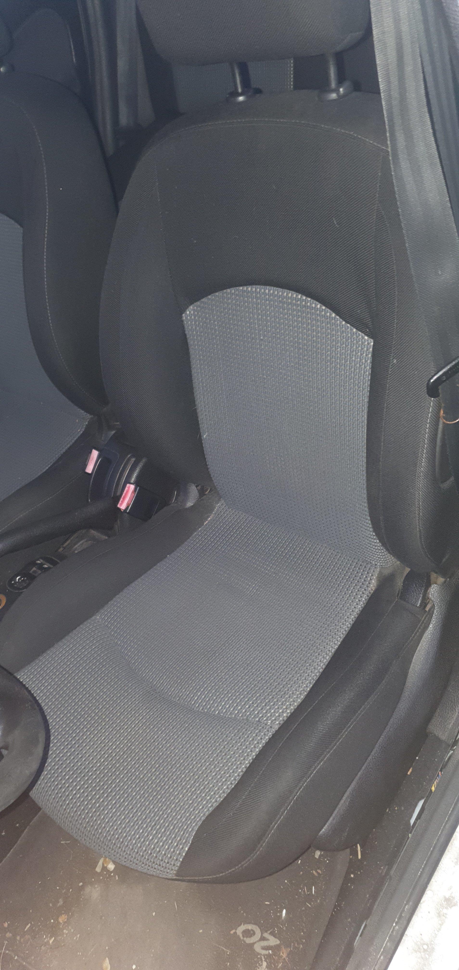 mousse siège conducteur 1583960496-58f671ed-63c3-11ea-8be3-9fe1dee90304