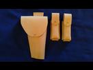 Quelques accessoires en cuir (portes chargeur, étui) 1366728218-etui-et-chargeurs-pa