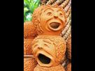 Retour à la peinture (huile) (en plus !!!!)  1541331287-30845784-la-pots-etrange-sculpture-ressemble-a-visage-humain-dans-nong-nooch-jardin-tropical-a-pattaya-thailande-plus