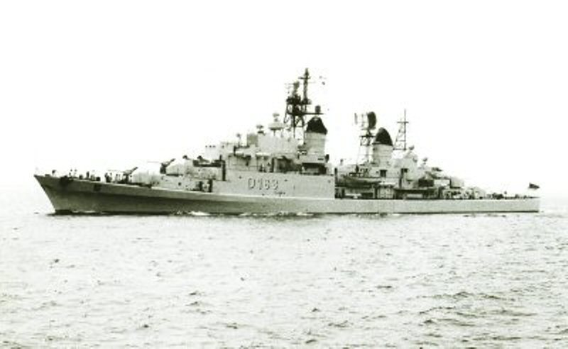 DESTROYERS LANCE-MISSILES CLASSE CHARLES F. ADAMS - Page 2 145533FGSBayernD183