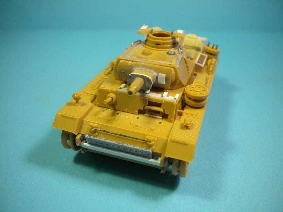 Panzer III Ausf.N - 1/72° - Page 2 2041102