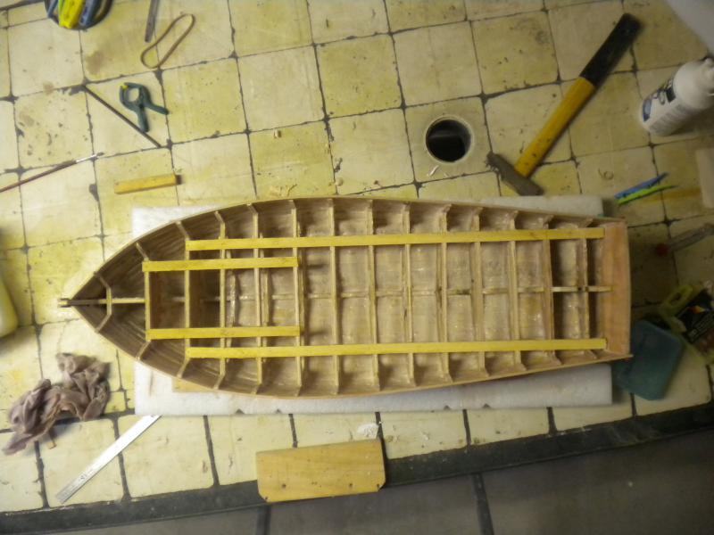 barque chalutiére au 1/20è d'après plans - Page 2 205894DSCN2162