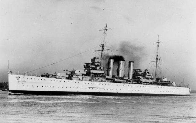 FRANCE CUIRASSES CLASSE RICHELIEU - Page 2 250203Country_class_cruiser