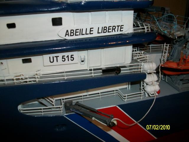 Remorqueur Abeille Liberté (plan MRB 1/75°) de christus57 - Page 3 25500palan_tribord
