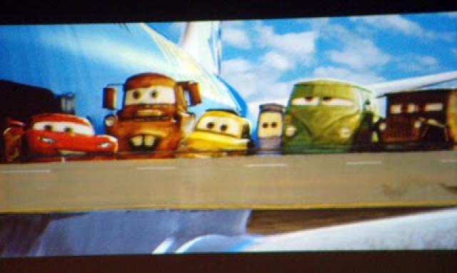 [Pixar] Cars 2 (2011) - Sujet de pré-sortie - Page 14 311198cars2screener02