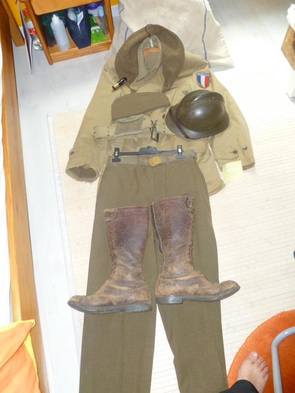 Officier Français à Monte Cassino 44 avec un pow luftwaffe - Page 2 321388P1010117