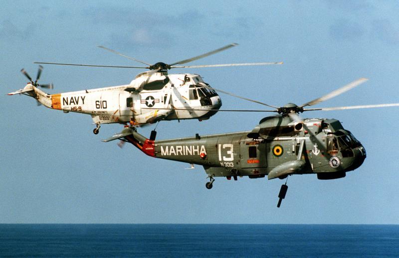 SIKORSKY S-61 SEA KING 372169SH_3s_USN_Brazil_1987