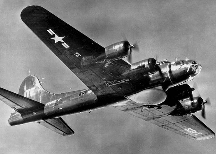 GRUMMAN E-2 HAWKEYE  44420PB_1W