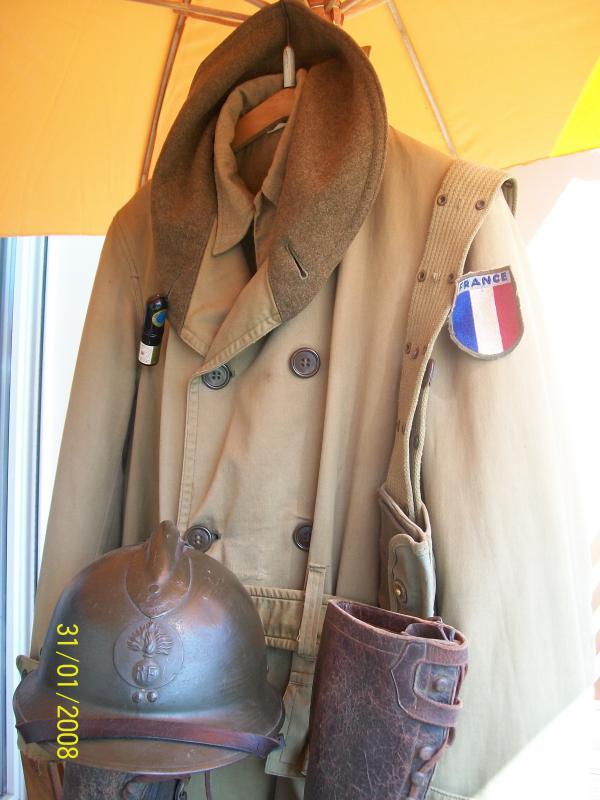 Officier Français à Monte Cassino 44 avec un pow luftwaffe - Page 2 5207491001940