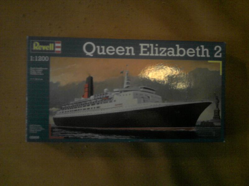 Queen Elizabeth 2     revell     1/1200   524863P260210_18.41