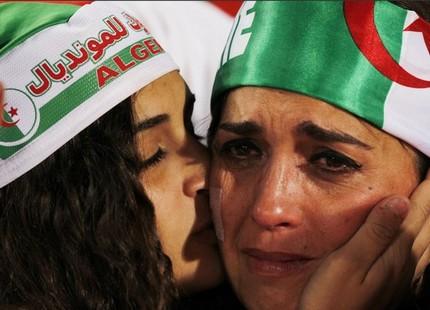 الجزائر تودع المونديال بلا فوز ولا أهداف 537855algeriatears