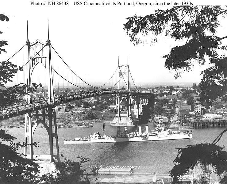 USN CROISEURS LEGERS CLASSE OMAHA - Page 1 541611USS_Cincinatti_Portland