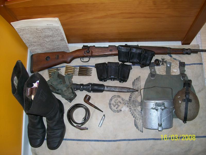Officier Français à Monte Cassino 44 avec un pow luftwaffe - Page 2 5713121001548