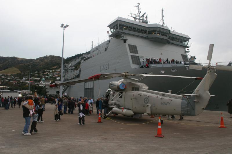 SIKORSKY S-61 SEA KING 634499SH_2G_neo_zelanfais_01072007_HMNZS_Canterbury