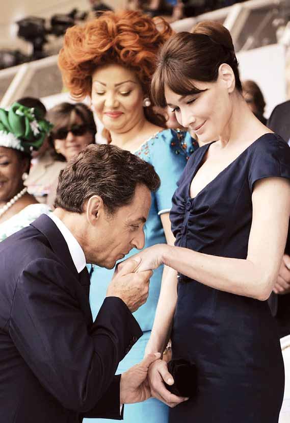 «كارلا.. حياة سرية» كتاب يثير جدلا في فرنسا (عارضة الأزياء توقع الرئيس)   635199Pictures_2010_09_16_75f7849c_8799_4095_89d2_696c01b82efe