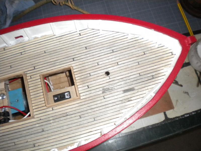 barque chalutiére au 1/20è d'après plans - Page 6 653230DSCN2403