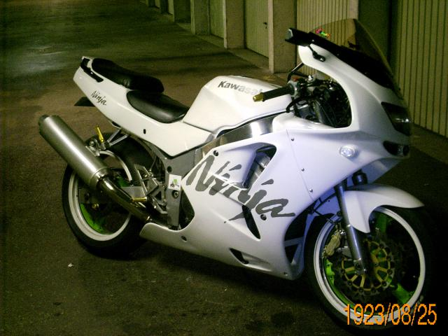 dimension stickers zx6r 97 720157PICT2265