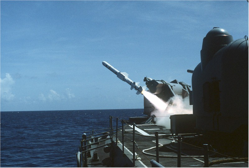 DESTROYERS LANCE-MISSILES CLASSE CHARLES F. ADAMS - Page 2 742887USSLawrencelancementHarpoon2
