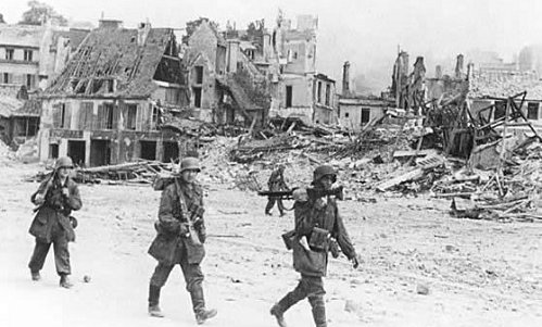 Allemand circulant dans Caen Bombardé 745909mg_allemands_caen