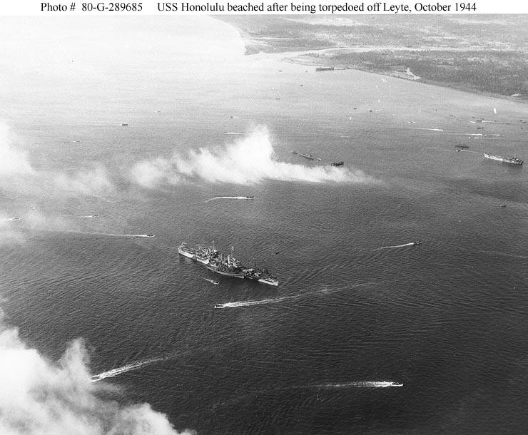 USN CROISEURS LEGERS CLASSE BROOKLYN 752281USS_Honolulu_octobre_1944