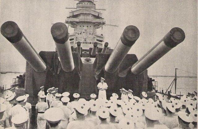 FRANCE CUIRASSES CLASSE RICHELIEU 777065Richelieu_Singapour_1945_releve_de_commandement