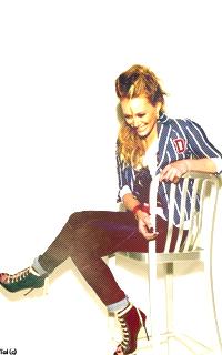 Hilary Duff - 200*320 779557AvaH3