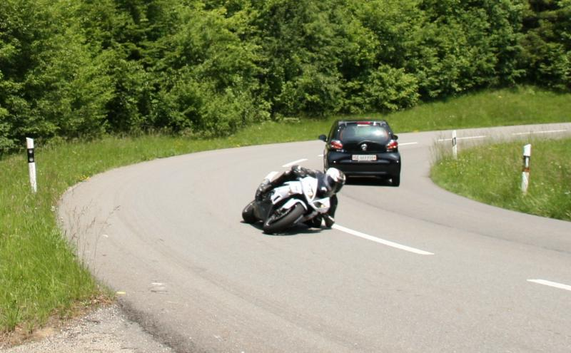 Ma zx6r 2010 (blanche) - Page 2 798331IMG_9251___Copie