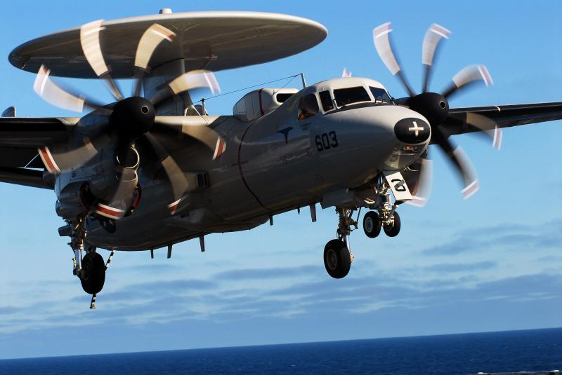 GRUMMAN E-2 HAWKEYE  829899Grumman_Hawkeye_3
