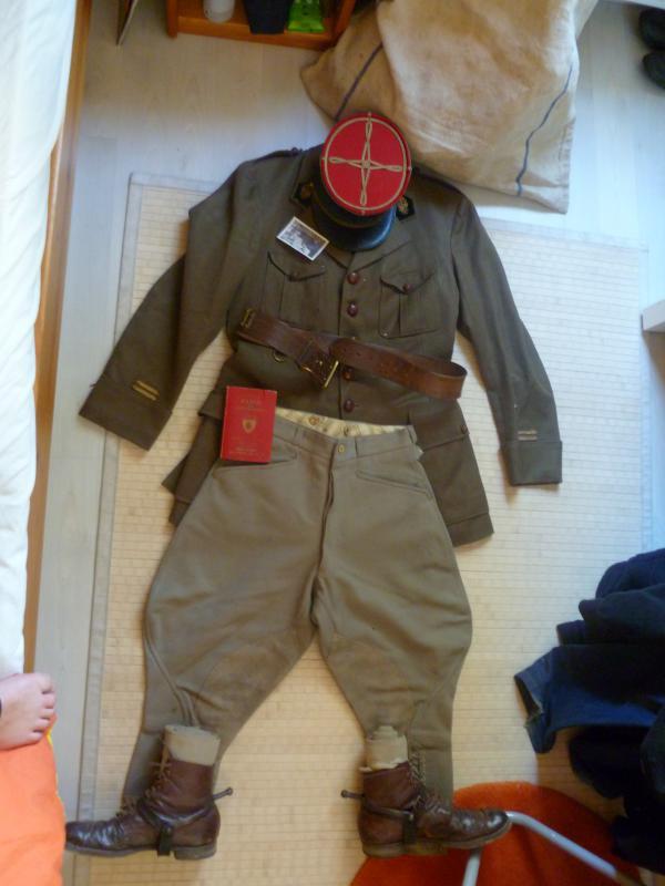 Officier Français à Monte Cassino 44 avec un pow luftwaffe - Page 2 846763P1010125