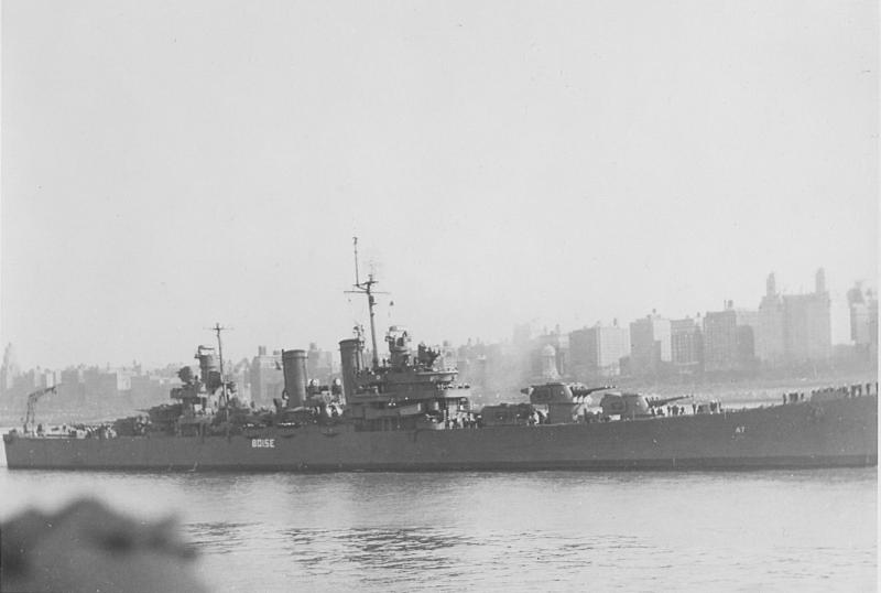 USN CROISEURS LEGERS CLASSE BROOKLYN 865340USS_Boise_Navy_Day_1945