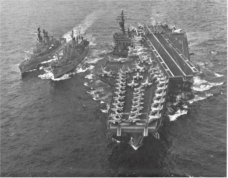DESTROYERS LANCE-MISSILES CLASSE FARRAGUT 878928USS_Coontz_USS_Aludra_USS_Kitty_Hawk_1964_Extreme_Orient