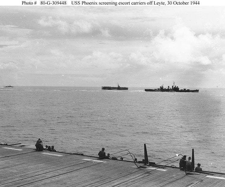 USN CROISEURS LEGERS CLASSE BROOKLYN 883832USS_Phoenix_1944