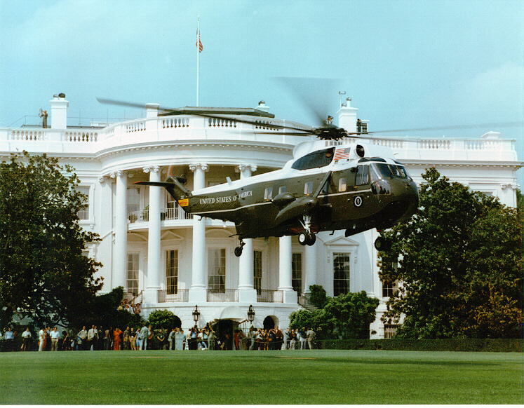 SIKORSKY S-61 SEA KING 925012Marine_One_Whitehouse