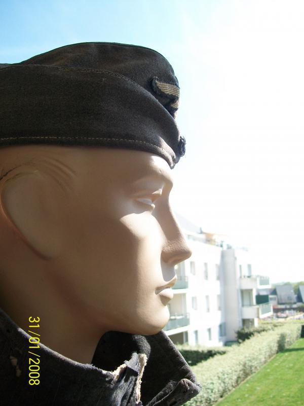 Officier Français à Monte Cassino 44 avec un pow luftwaffe - Page 2 9765301001946