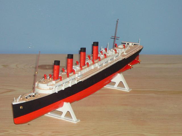 RMS Mauretania - airfix - 1/600   978417PICT1527