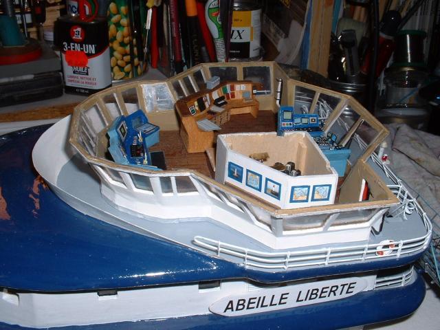 Remorqueur Abeille Liberté (plan MRB 1/75°) de christus57 - Page 2 98186cabine__pupitres._1_JPG