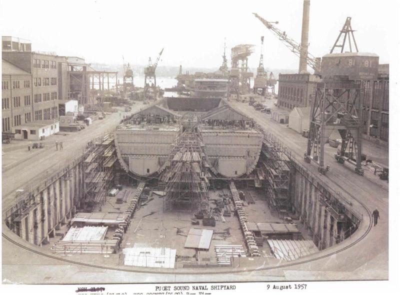 DESTROYERS LANCE-MISSILES CLASSE FARRAGUT 986206USS_Coontz_construction_avec_USS_King