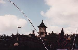 Vos vieilles photos du Resort - Page 15 Mini_580802M319