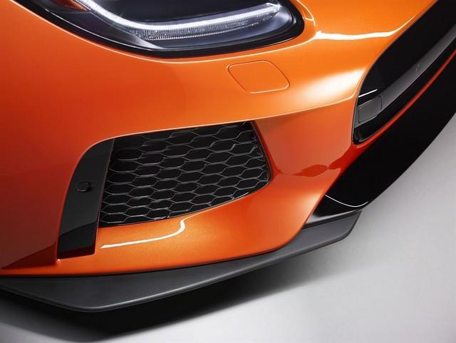 Nouvelle Jaguar F-TYPE SVR : La Supercar Capable D'atteindre 322 km/h Par Tous Les Temps 112678JAGUARFTYPESVR46COUPEStudioDetailLowRes