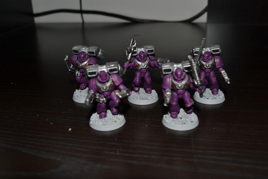 Les Purple Knight 114329WH40K024