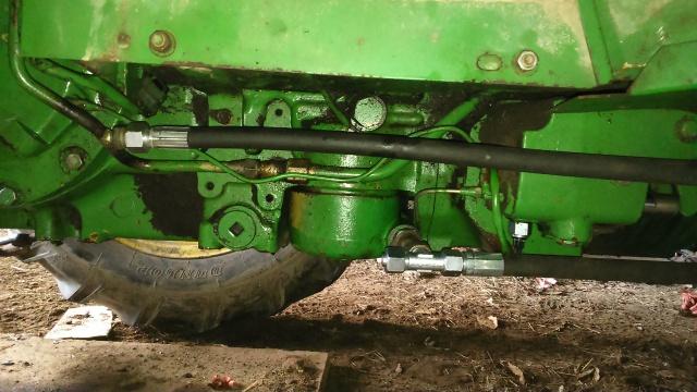 installation d'un distributeur hydraulique  - Page 2 115018DSC0025