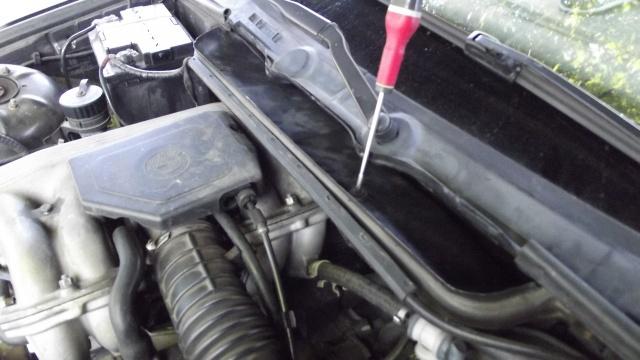 [BMW 316 i E36] Réparation d'une fuite d'essence moteur 1181438Visintrieurcarter