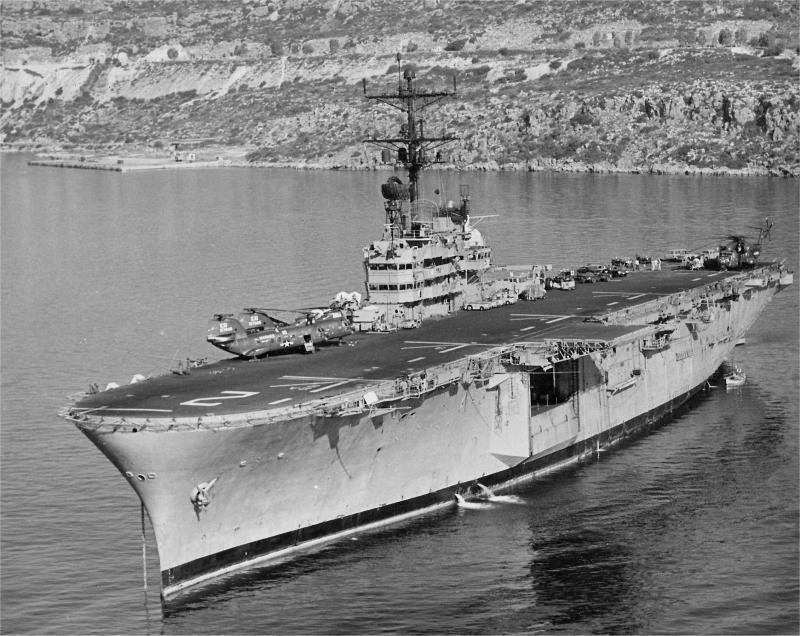 BÂTIMENTS DE PROJECTION ET DE COMMANDEMENT CLASSE MISTRAL 118170USS_Iwo_Jima