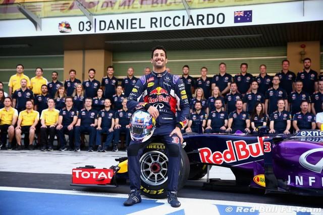 F1 GP d'Abu Dhabi 2015 : Victoire Nico Rosberg 1190922015redbullf1team